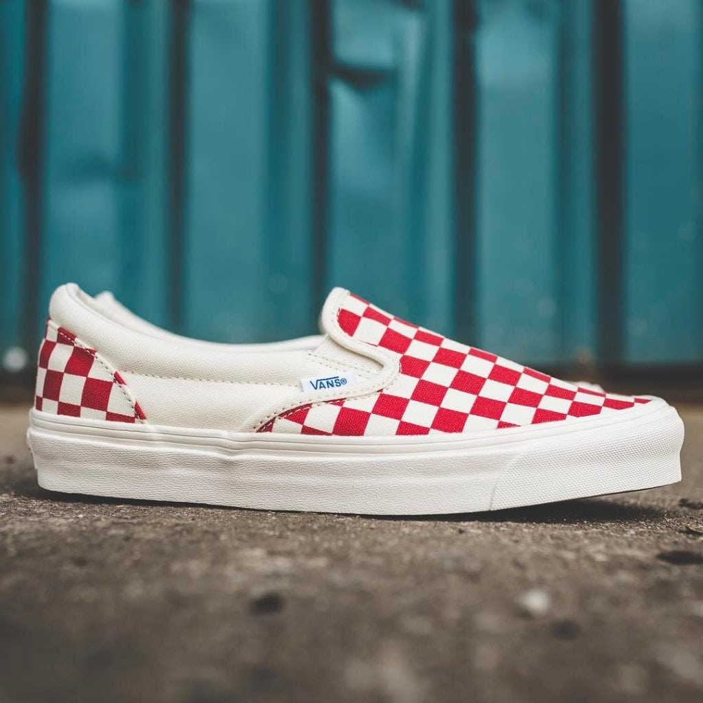 vans vault og slip on checkerboard red