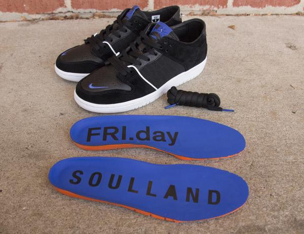 finest selection 93f59 01961 BIY Roamer | Nike SB Zoom Dunk Low Pro QS x Soulland $692 @ Nike